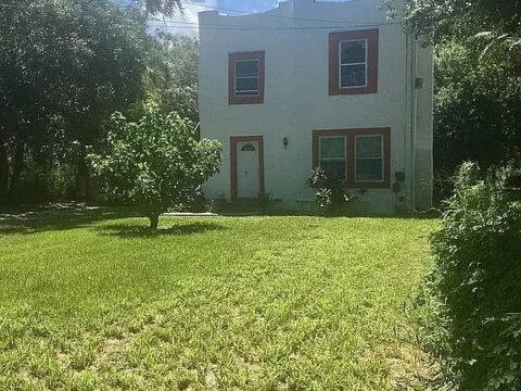 119 N 11th St Fort Pierce, FL 34950, USA