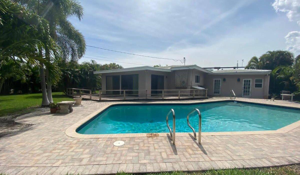 1627 Seabreeze Blvd Fort Lauderdale, FL 33316, USA