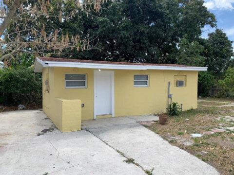 2360 NW 153rd St Miami Gardens, FL 33054