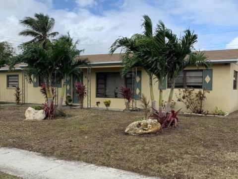 470 W 33rd St West Palm Beach, FL 33404, USA