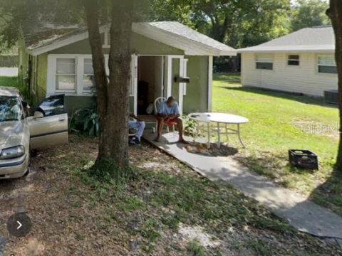 8111 N Brooks St Tampa, FL 33604, USA