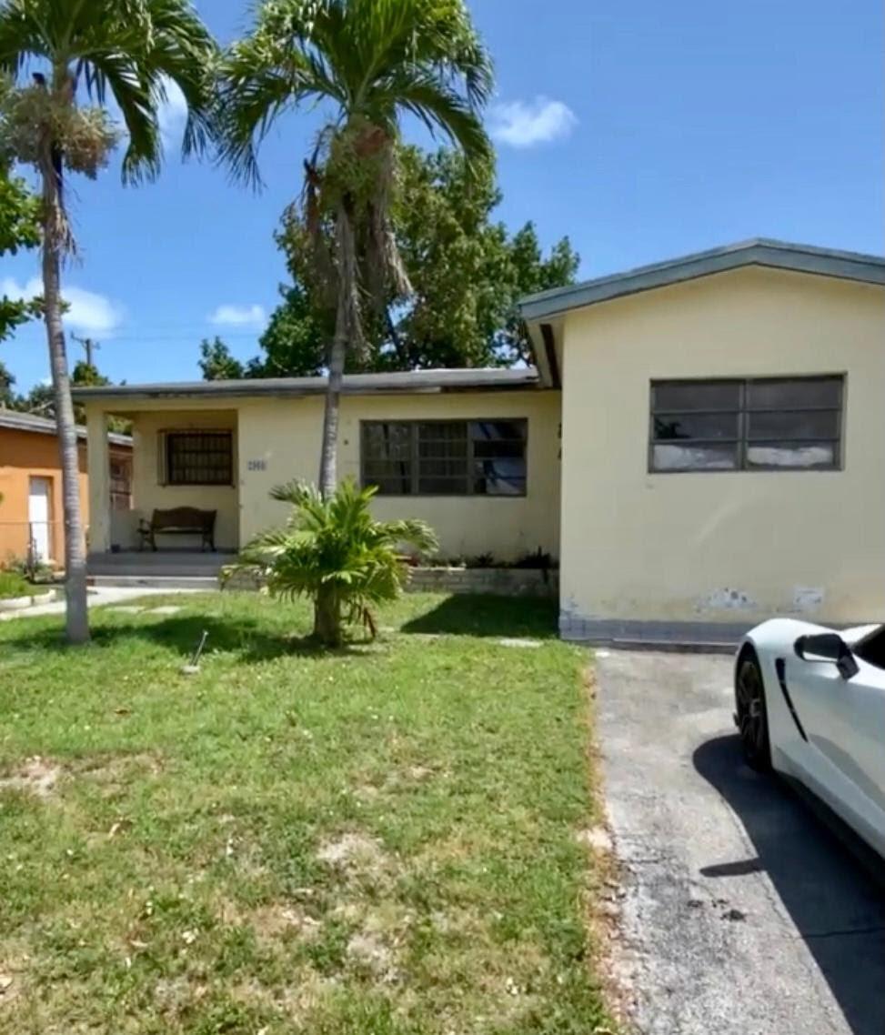 2960 SW 13th St Miami, FL 33145, USA