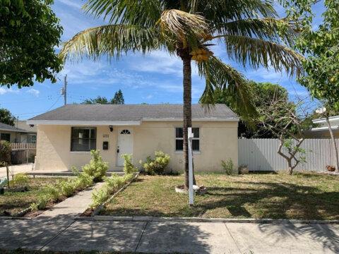 611 Monceaux Rd West Palm Beach, FL 33405, USA