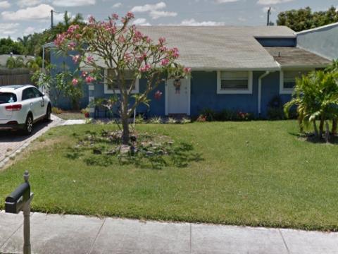 2210 NE 3rd Ave Delray Beach, FL 33444