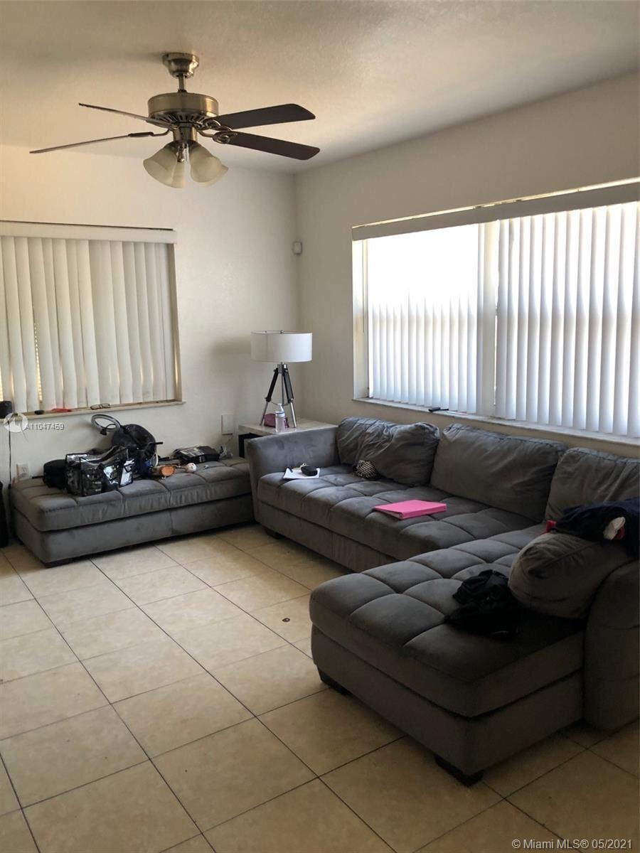 2418 Garfield St Hollywood, FL 33020