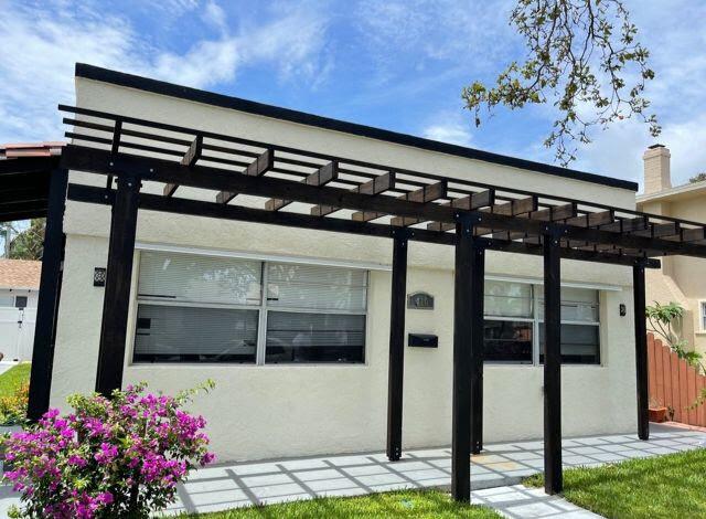 416 Ardmore Rd West Palm Beach, FL 33401