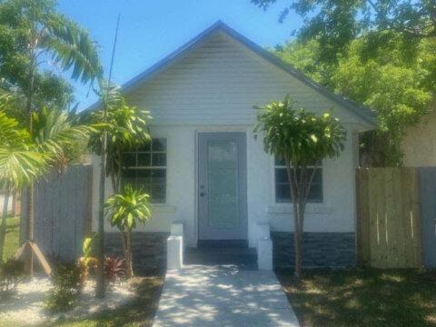 602 NW 98th St, Miami, FL 33150, USA