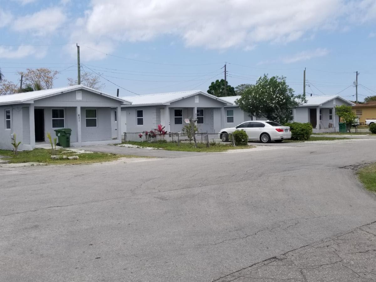 601-625 Amaryllis Ave, Pahokee, FL 33476, USA