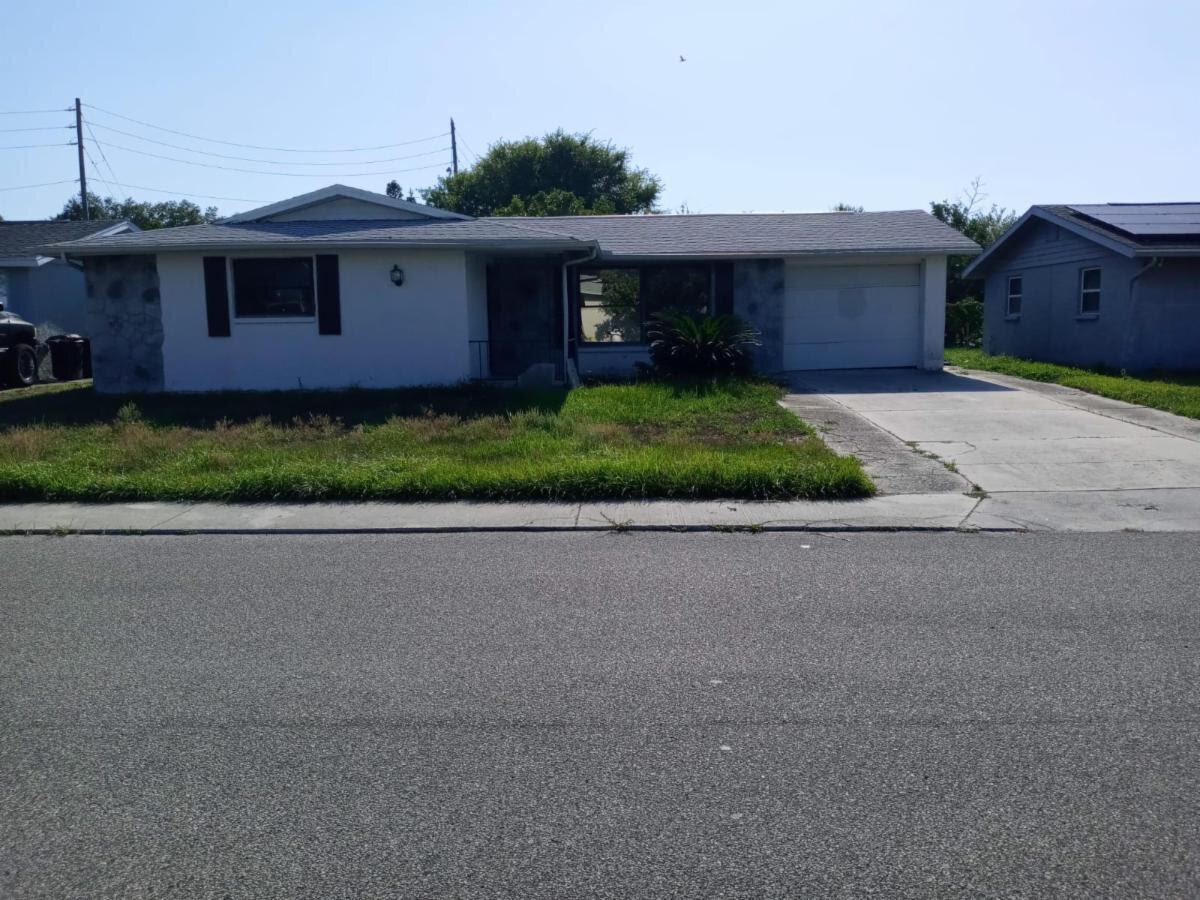 9305 Crabtree LnPort Richey, FL 34668, USA