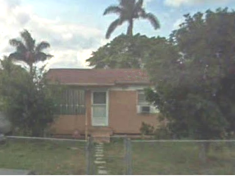 260 SW 10th Ave, South Bay, FL 33493 1
