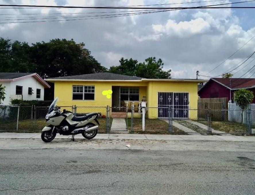 1366 NW 75th St Miami, FL 33147