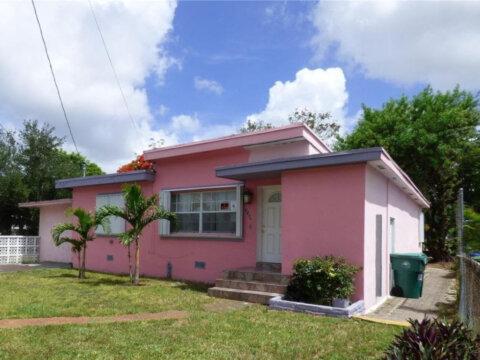 1836 NW 55th Terrace Miami, FL 33142, USA