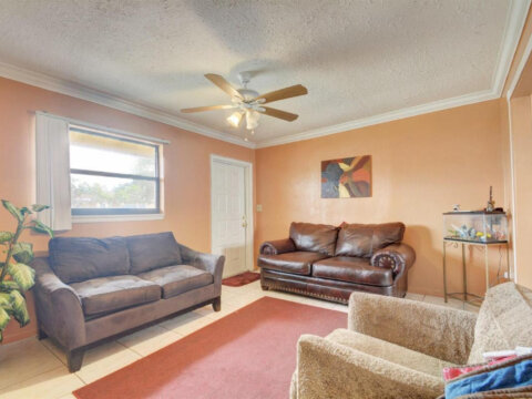 2401 NW 15th St, Fort Lauderdale, FL 33311, USA 2