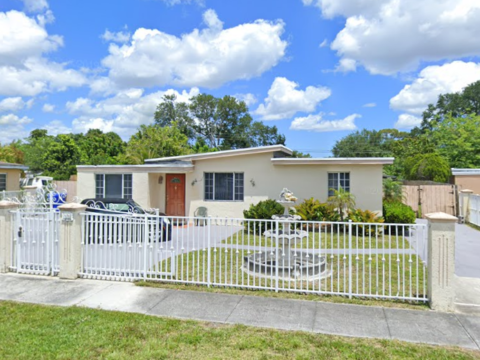 33 Virginia Rd, West Park, FL 33023, USA