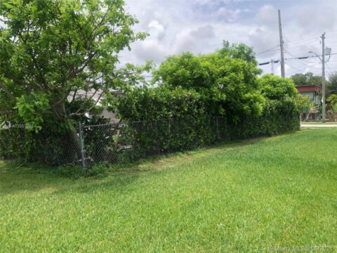 53 NE 2nd Rd, Homestead, FL 33030, USA 3