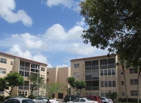 2800 Somerset Dr #100j, Lauderdale Lakes, FL 33311, USA