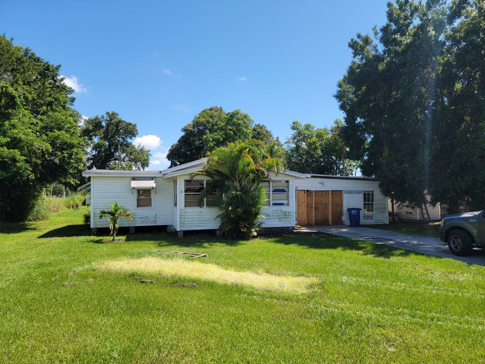 2150 Grace Ave, Fort Myers, FL 33901