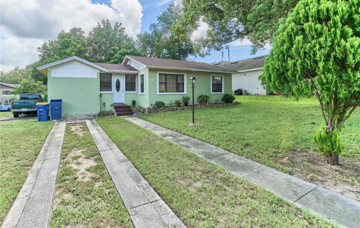 402 S Palm Ave, Howey-In-The-Hills, FL 34737, USA