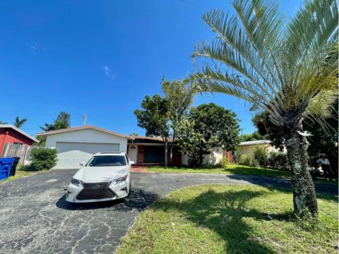 4740 NE 18 Ave, Ft. Lauderdale, FL 33334