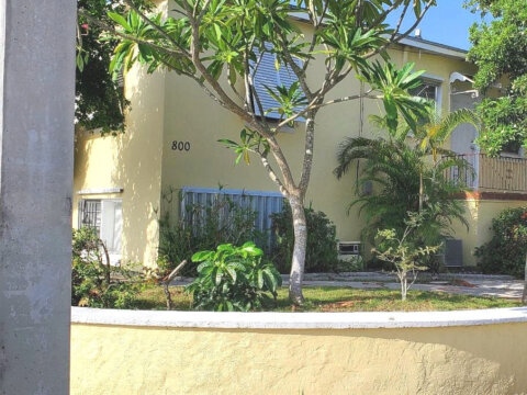 800 Nottingham Blvd, West Palm Beach, FL 33405