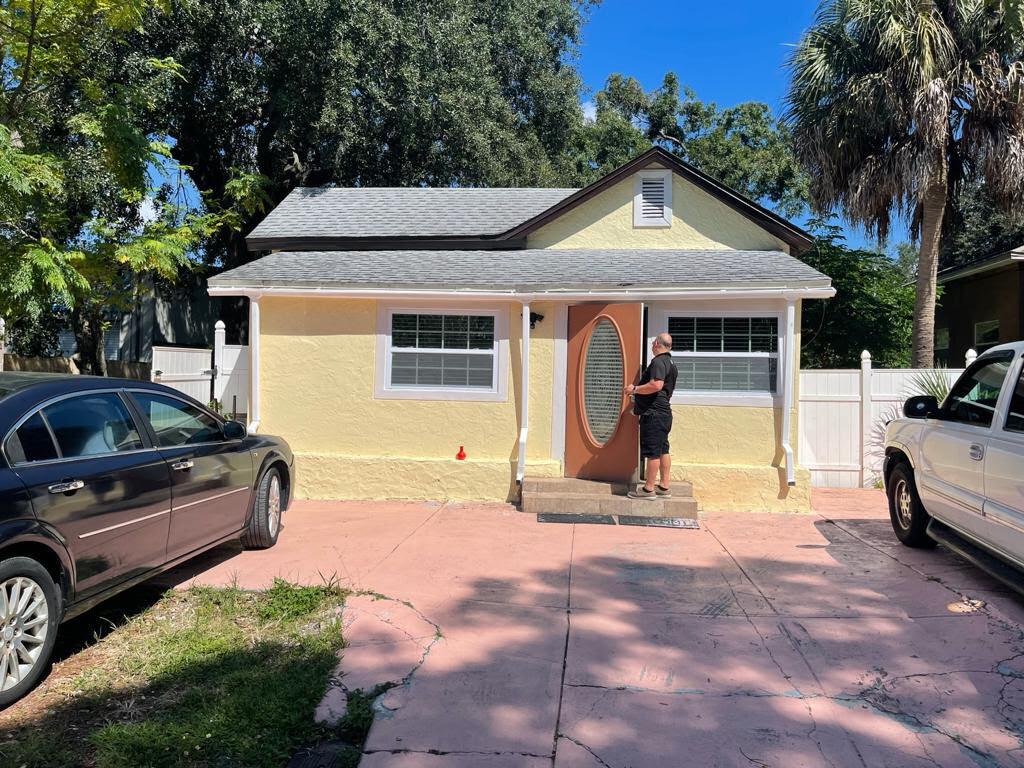 2335 W Saint John St, Tampa, FL 33607