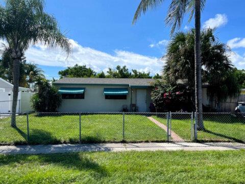 9393 Bloomfield Dr, Palm Beach Gardens 33410