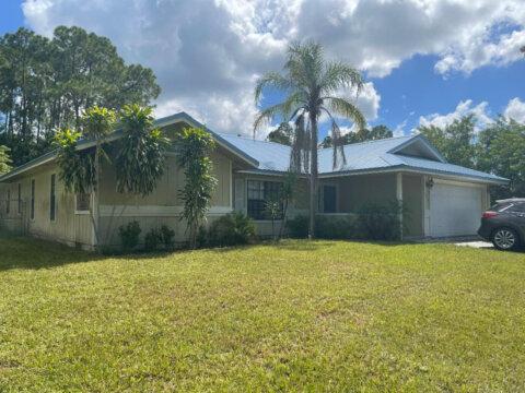 225 Higgings Ave, NW Palm Bay, FL 32907