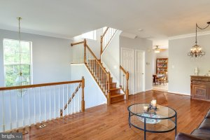 best paint color for selling a house