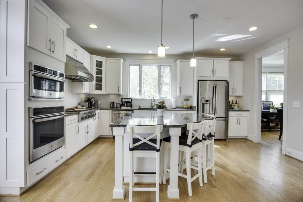 5 Cleaning Hacks To Get Your House Ready For The MLS