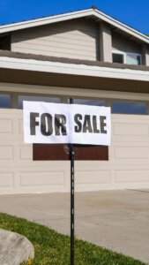 property for sale post in Arizona