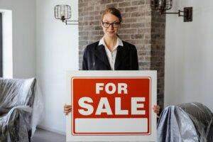 Hire real estate agent in Arizona
