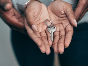 rent home to get out of mortgage