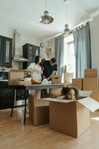 moving packing with kids