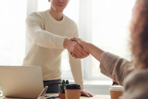 Have an agreement when buying real estate with friends