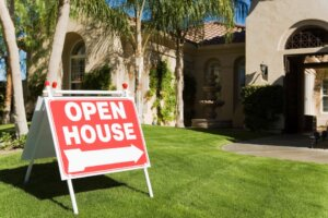schedule open house when selling your house in Tucson AZ