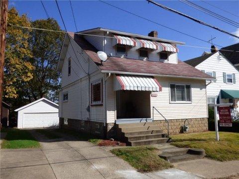 3 BR, 2 BA 1533 sf Single-Family Residence with 2 Car Garage