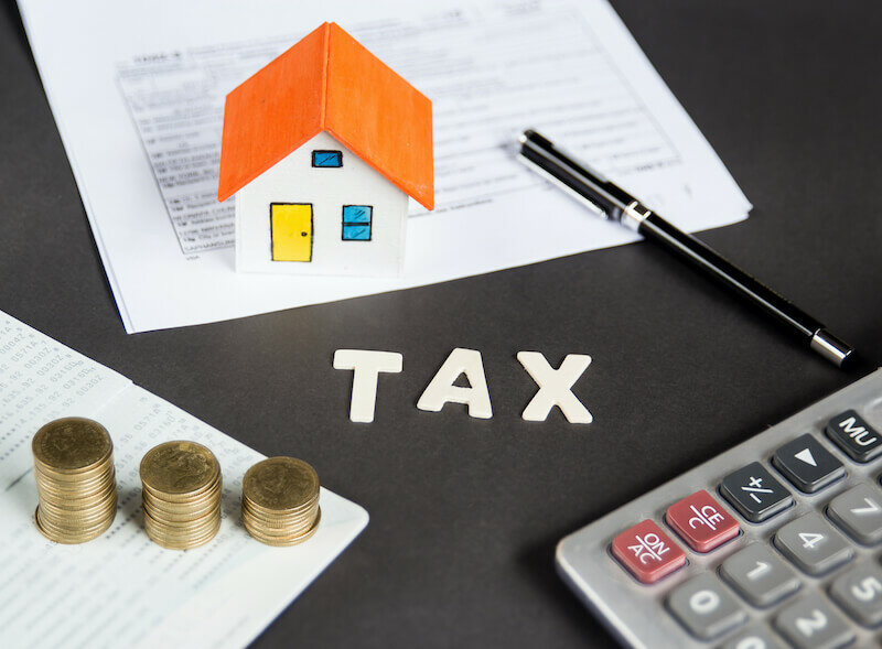 Taxes and Costs of selling land by owner in Florida