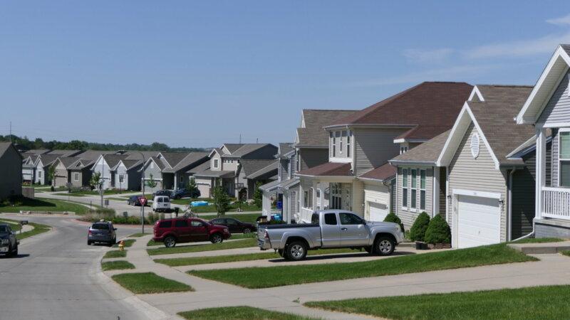 Nice-Neighborhood-St_Probably-68122