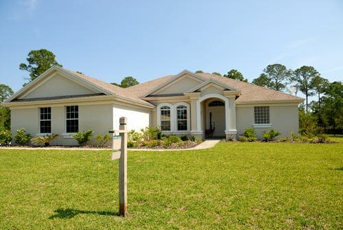 Sell Your House Fast Palm Beach in a hot market - Signature Investments