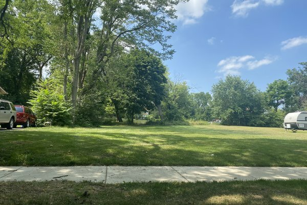 Land For Sale 1018 Cypress Dr. Jackson, MI Main Image www.WeSellNewYorkLand.com