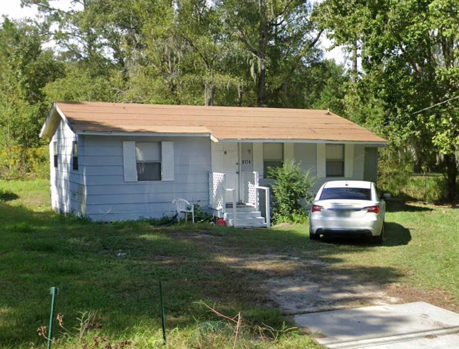 8174 Waxwing Ave Jacksonville, FL 32219