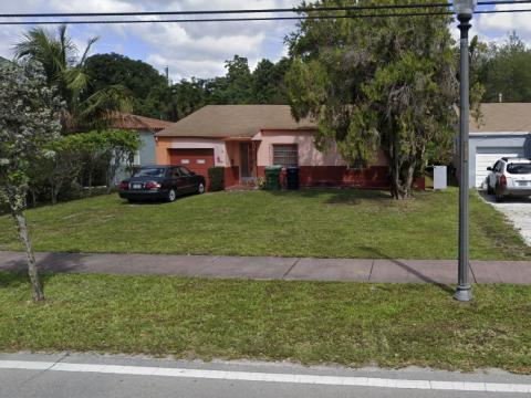 365 NE 87th St, El Portal, FL 33138