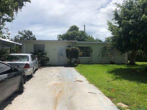 2915 SW Feroe Ave Palm City FL 34990