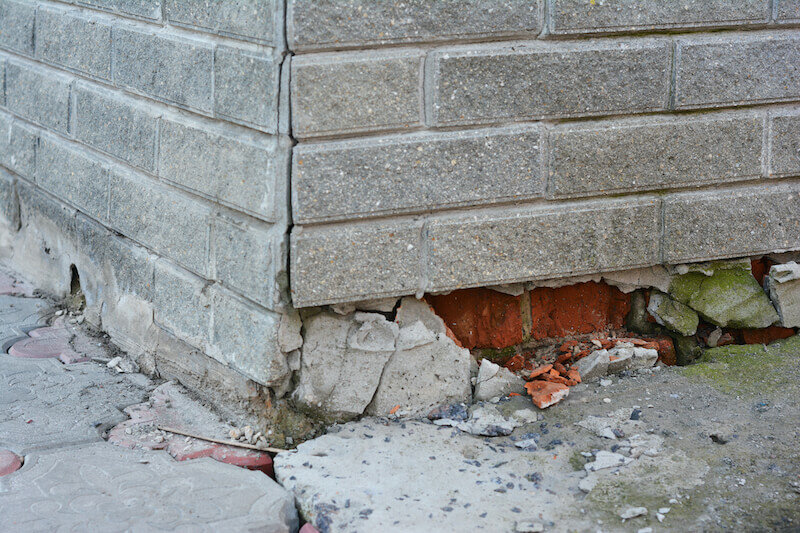 A House With Foundation Damage In Louisville