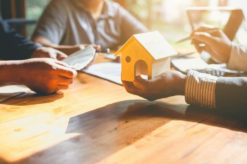 Selling to Cash Home Buyers