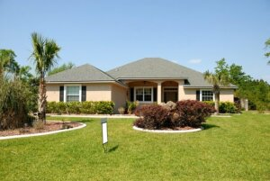 Sell my house fast in Oldsmar, Florida. A photo of a Florida house.