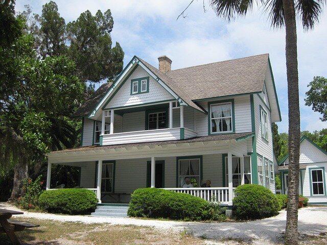 Sell My House Fast in Gulfport Florida. Photo of a house.