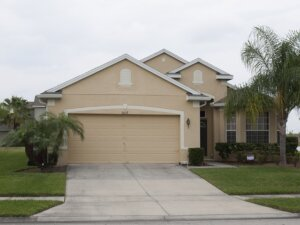 Sell My House Fast for Cash in Kenneth City Florida. Photo of a house