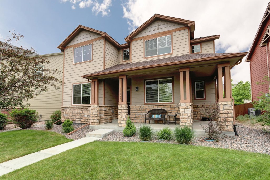 2 Story home in the Denburbs, CO