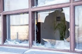 sell your house with broken windows